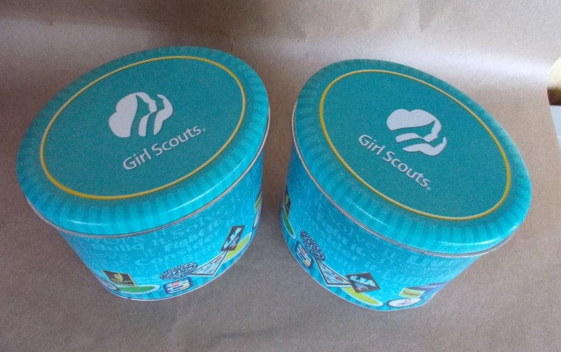 Collectors 2 Girl Scout Oval Collectible Tins 2009 VGC