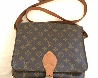 LOUIS VUITTON Authentic Monogram Cartouchiere GM Cross Body Shoulder Bag Lv  Vintage f0c624cbe9316