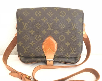 99a1c9d42c57 LOUIS VUITTON Monogram authentique Cartouchiere MM Cross Body sac à  bandoulière Lv Vintage