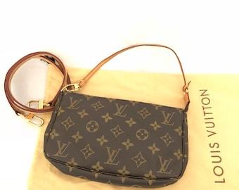 46fa36ff3550 Louis Vuitton Authentic Monogram Pochette Accessoires Pouch Mini hand Bag  Vintage With Shoulder Strap MINT!
