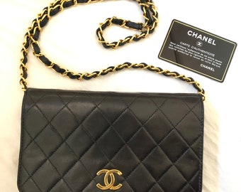 fca00be4dc14 CHANEL Auth Quilted CC Single Chain Shoulder Bag Black Leather Vintage