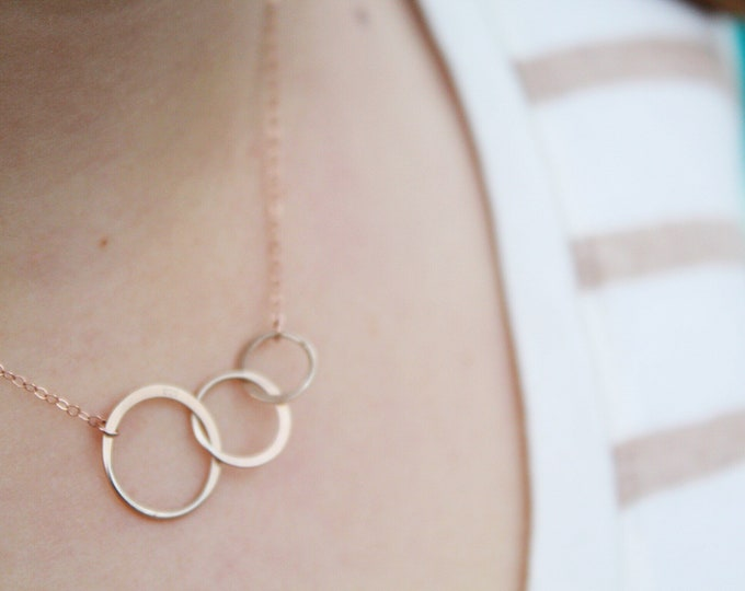 Three Circle necklace Rose Gold, Interlocking Circle Infinity Necklace, rose gold necklace, triple link silver necklace,