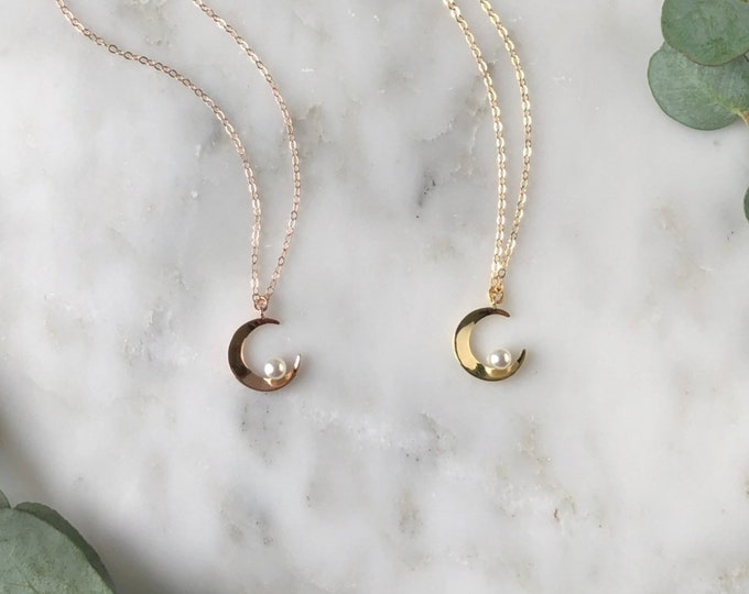 Dainty Crescent moon pearl necklace, rose gold moon necklace, necklace, gift for her, dainty crescent necklace, bridesmaid gift, jw