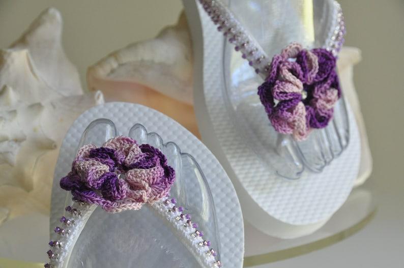WEDDING Flip Flops!Bridal Flip Flops.Bridal Shoes.Beach Wedding Sandals.Bridal Sandals.Wedding Shoes.Destination Wedding.Purple Sandals