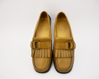 TOD's-vintage loafers shoes vintage women's rubber leather size 36.5 EU leather shoes women's shoes women's loafers
