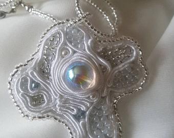ZAHRA -LES CROIX - Soutache bianco - Rocailles bianco e argento c536a2878676