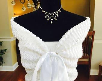 Wedding shawl/Bridal Cape/Bridal Shawl/Wedding Shrug/Prom Shawl/Rustic Wedding/Bridal cover-up/Winter wedding shawl/Fall Wedding shawl