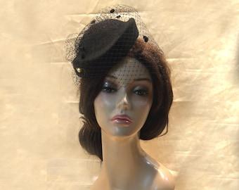 Black mini pillbox veiled hat 1940 1950 vintage retro Fascinator women Head Piece Gothic Wedding church formal with  veil cocktail