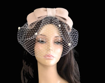 Ivory bridal hat Ivory fascinator Cream bow fascinator Cream hair bow Cream fascinator 60s hat Pin Up fascinator Wedding fascinator bride