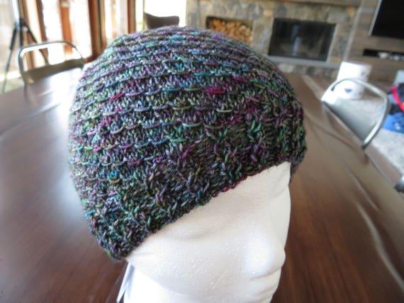 knitted toque Mermaid Scales ponytail hat knitting pattern messy bun beanie knitting pattern KNITTING PATTERN knit ponytail hat pattern