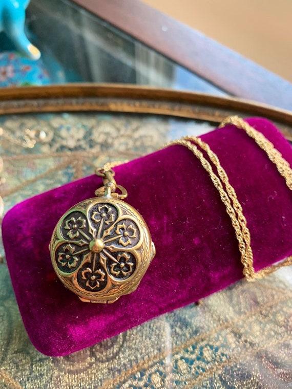 Flower Locket Necklace - Multiphoto - Gold Filled