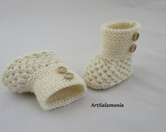 Baby shoes knitted, baby shoes crocheted, first shoes, baby boots, baby socks cream, newborn shoes white, Easter, birthday gift
