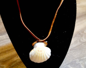 Shell necklace- Scallop Shell