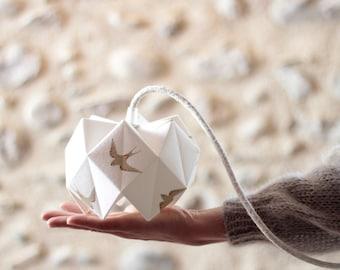 Hirondelle origami walking lamp, walking lamp, origami lamp, lamp, light fixture, lampshade, origami, floral fabric, bedside lamp