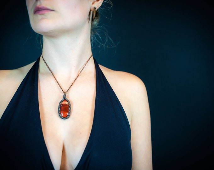 Copper Wire Wrapped Jewelry Gifts for Her Red Jasper Healing Crystal Pendant Necklaces For Women Handmade Christmas Gifts
