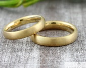 Plain wedding rings 4 mm wide longitudinal matted 333 585 750 gold, rings with engraving,