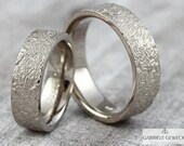 "Wedge white gold ""life lines,"" width version, wedding rings, structure, partner rings, handmade, jewelry messages, goldsmiths, Berlin"