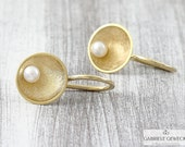 Beaded Earrings 750 yellow gold, golden beaded earrings, delicate pearl earrings golden, delicate gold earrings, jewelry messages