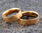 """Wedding rings """"Hammered"""" 585 750 gold, wedding rings red gold hammered, wedding rings with structure, wedding rings hammer blow structured"""
