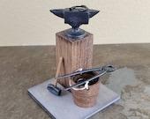 Dollhouse Miniature Blacksmith Set Anvil Tongs Bucket Horseshoe 1 12 Scale