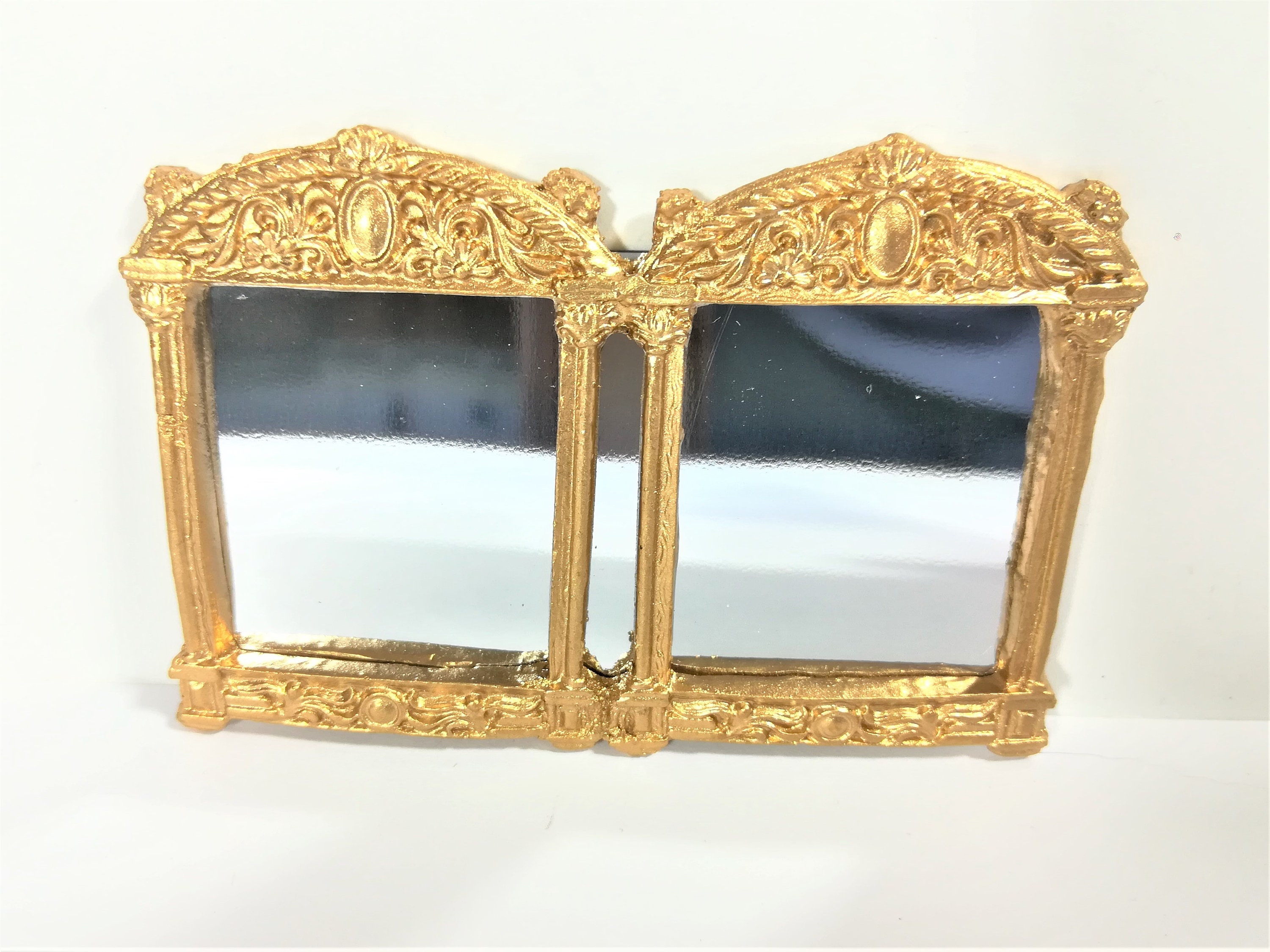 Dollhouse Miniature Fancy Gold Mirror with Shells /& Flowers 1:12 Scale Accessory