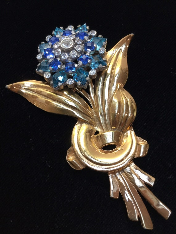 MAZER STYLE FLORAL Brooch Unsigned
