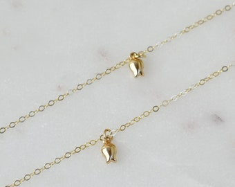 Tiny Goldfish Necklace / Dainty Gold Necklace / Delicate Gold Necklace / Gold Fish Necklace /Small Goldfish Necklace / Thin Gold Chain AD038