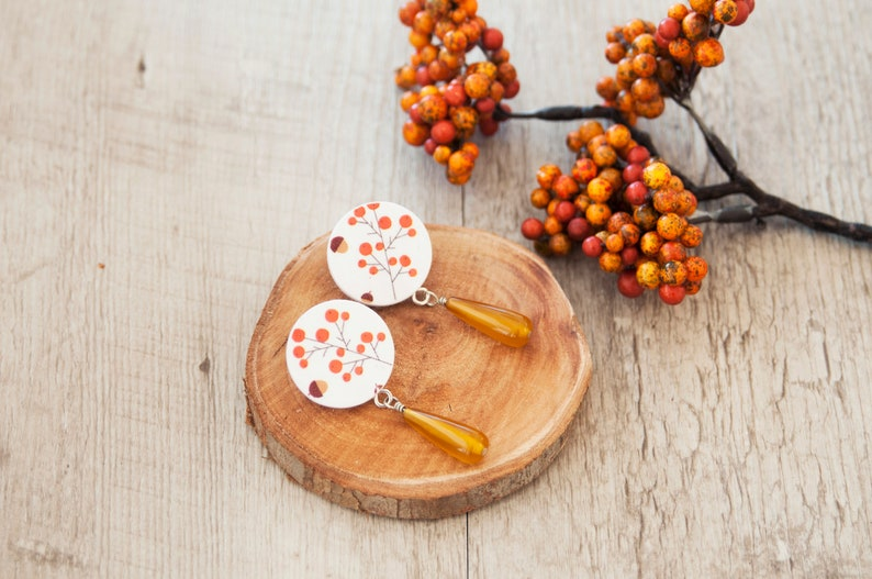 Stud earrings in paper with agate and winter botanical drawing of orange berries