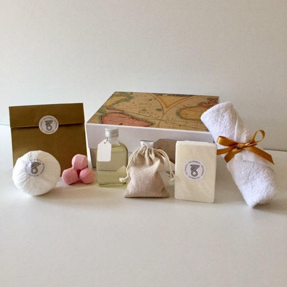 Romantic Gift For Her 1st Anniversary Gifts Bath Bomb Set Girlfriend Gift Sets For Women Friends Love Box Unique Spa Gift For Wife