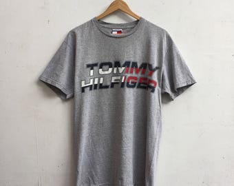 Vintage TOMMY HILFIGER Rare Big Logo Tommy Hilfiger Spellout Streetwear Style Small Size #402 AHO7Cgi