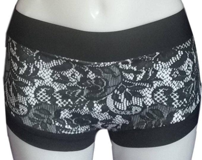 Pole shorts - Lace Print