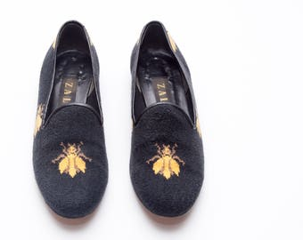 ffd114a3d8a Zalo • Vintage Shoes • Smoking slippers featuring Bee Patterned Needlepoint  Upper and Black Leather Trim • Made in Spain • Size 8
