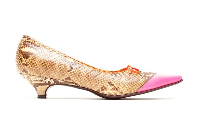ddbb45d61783 Miu Miu Vintage Shoes Western Kitten Heel Pumps in