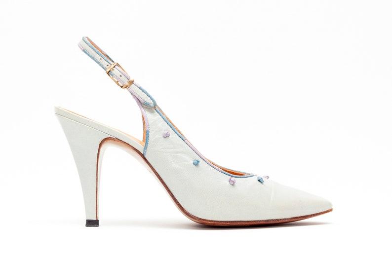1f153ed1d2d77 Rosina Ferragamo Schiavone • Vintage Shoes • Slingback Pumps in Light Blue  Leather w/ Knot Details • Modern Designer Vintage • Size 8