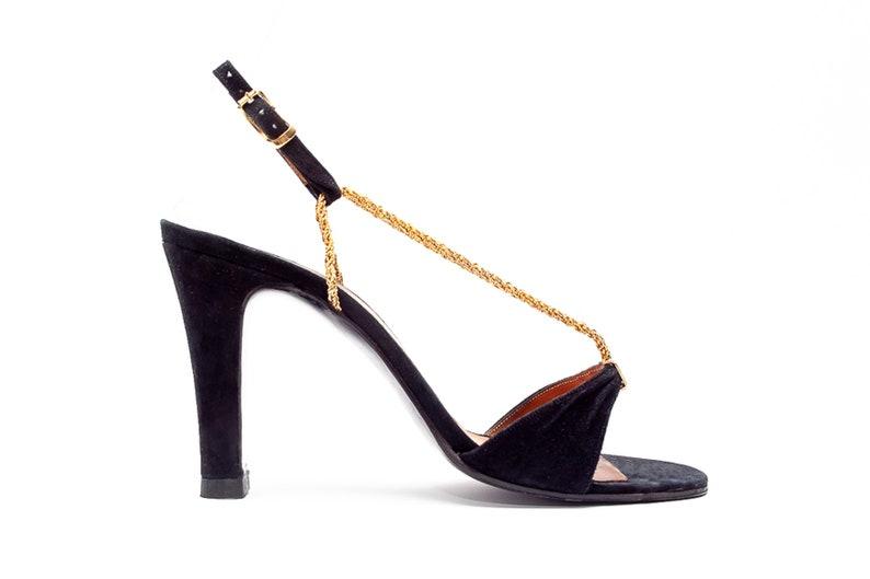 9ceae97a14a70 Rosina Ferragamo Schiavone Vintage Sandals with Metal Chain T-Strap • Size 7