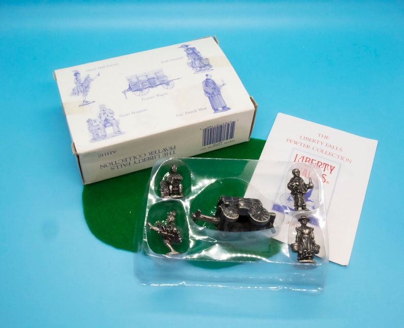 Inc. Liberty Falls AH110 Pewter People Miniature Accessories with Box International Resourcing Services