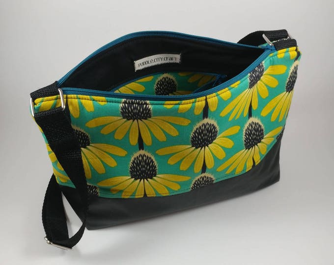 Adjustable strap bag, adjustable purse, purse, shoulder bag, cross body bag, floral print, modern flowers, flower purse, modern purse