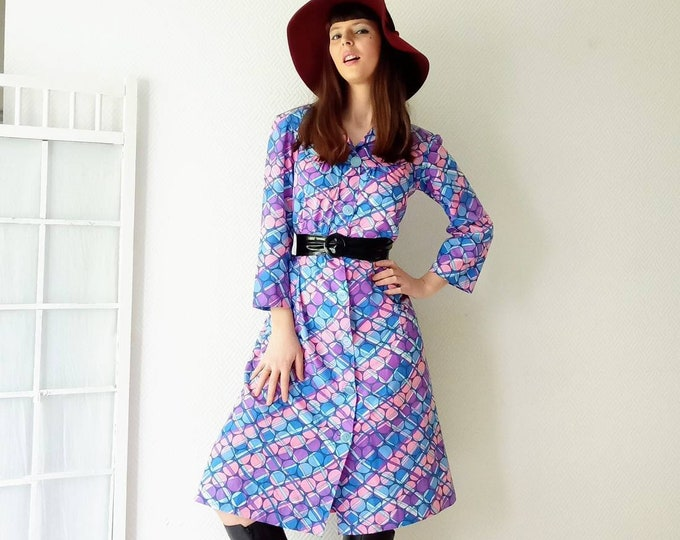 70s psychedelic pea dress //1970's psychedelic polkadot dress