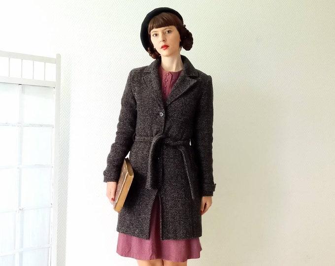 90s brown chevron coat 40s style //90's does 40's chevron brown coat