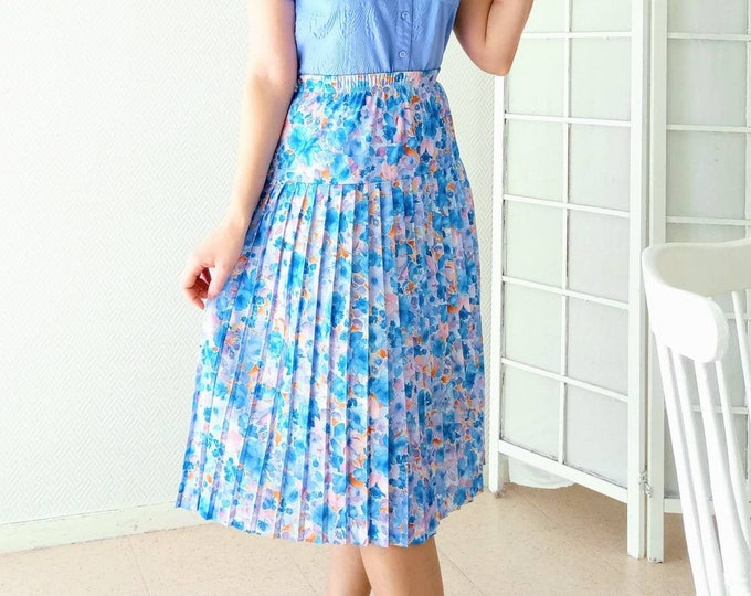 1980's 50s-style floral pleated skirt // Vintage 1980's does 50's pleated floral skirt