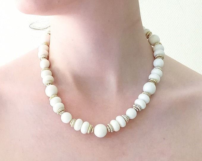 Vintage 1980's white and gold pearls necklace