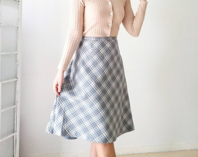 Vintage wool plaid skirt 1970's style 40s // Vintage 1970's does 40's plaid wool skirt