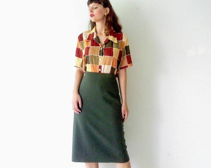 Vintage khaki wool pencil skirt //Vintage khaki wool pencil skirt