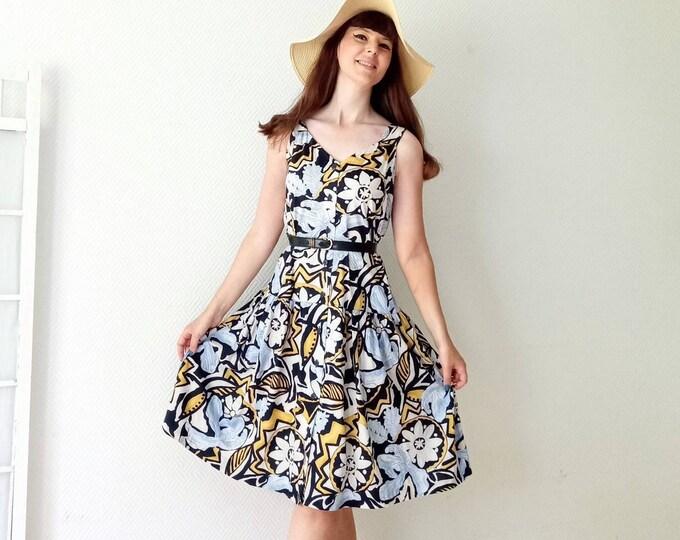 Vintage dress 1990's Griffon printed African dress //Vintage 1990's african print dress