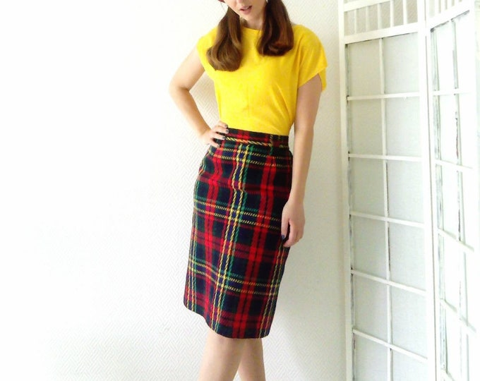 Scottish 60s style skirt //60's plaid skirt style