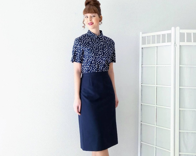 Vintage embroidered skirt 1990's navy blue style 50 // Vintage 1990's does 50's blue navy embroidered skirt