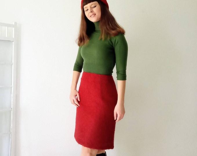 Vintage skirt in burgundy wool style 60s //60's vintage wool style burgundy skirt