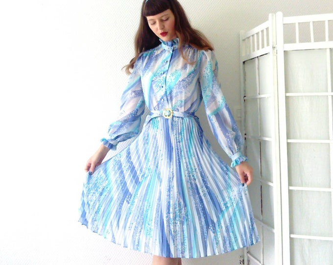 50s/50's style pleated collar dress
