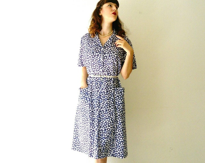 Blue floral style 40 ' s/40 's style blue floral dress