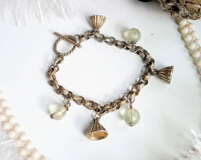 Bracelet boho 1970's chain charms // 1970's vintage boho chain charms bracelet